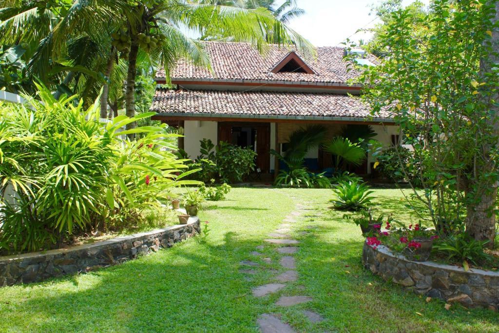 Olu villa unawatuna incluse recensioni for Home garden design in sri lanka