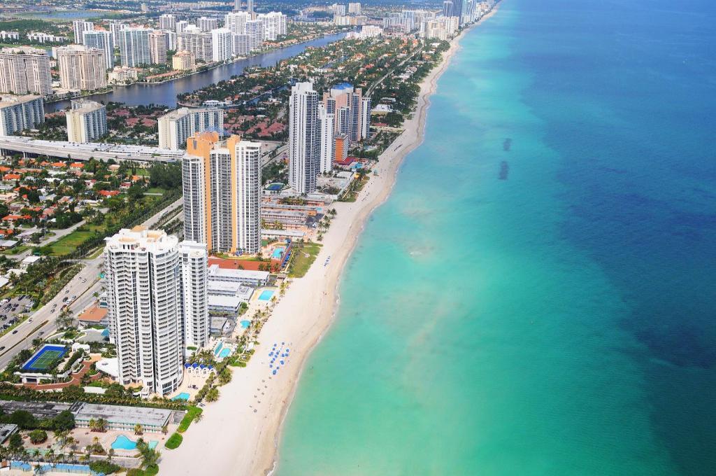 Marenas Beach Resort Miami Booking