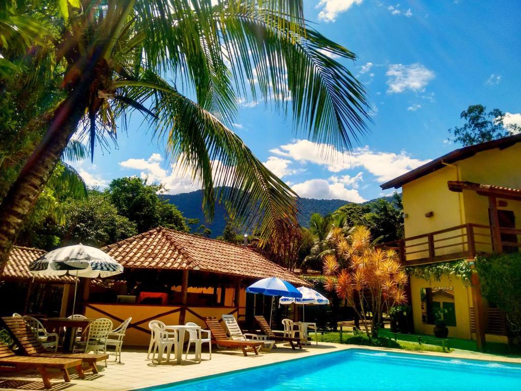 A piscina localizada em Hotel e Pousada Canto Mágico ou nos arredores