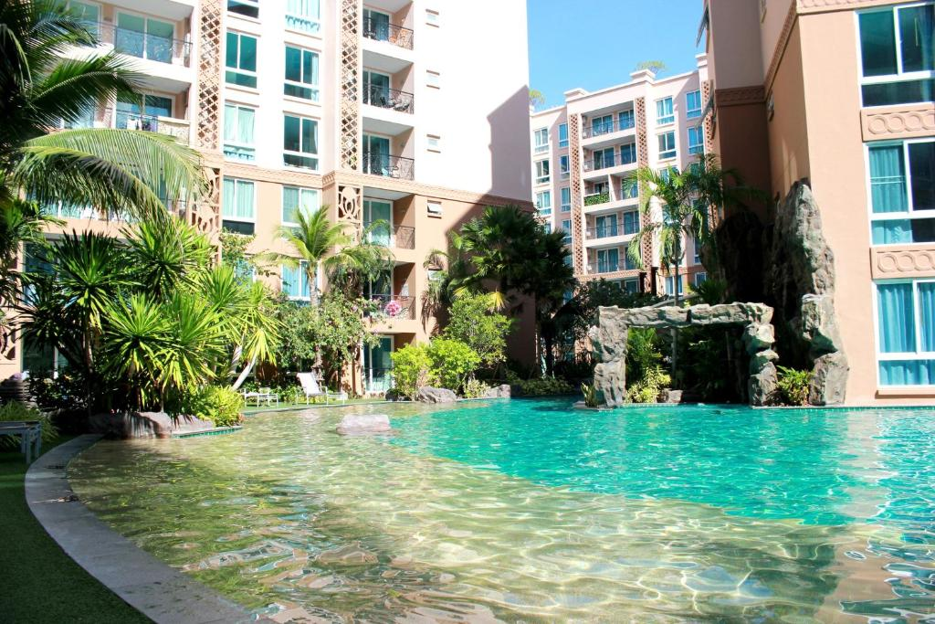 Atlantis condo resort jomtien beach thailand for Atlantis condo