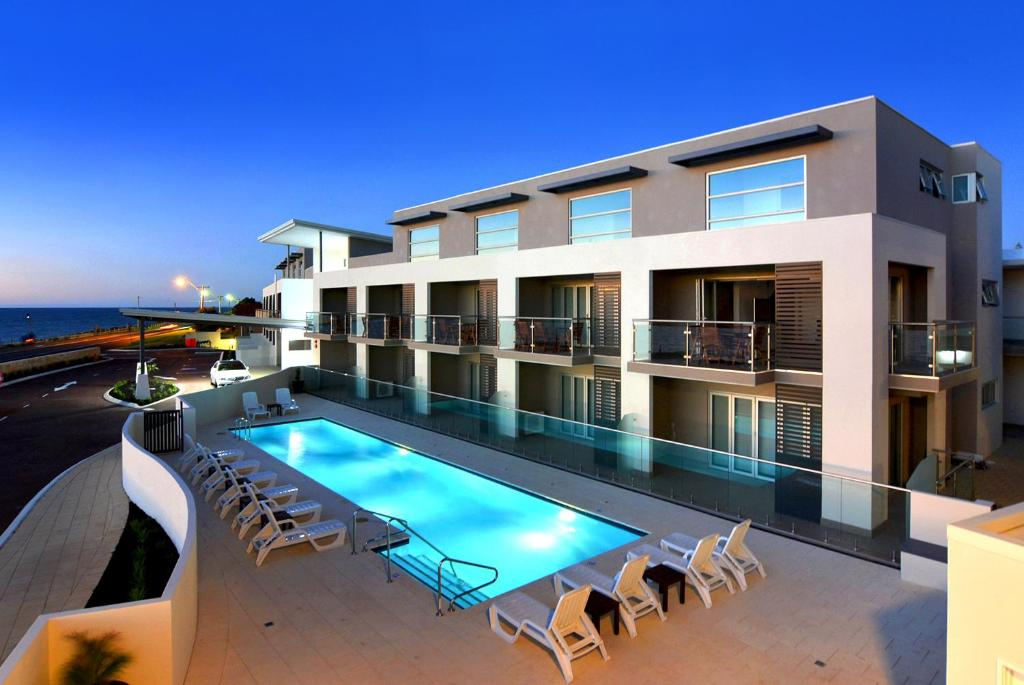 <div data-et-view=NAFQCDCcdXDPdFO:1</div Bunbury Seaview Apartments