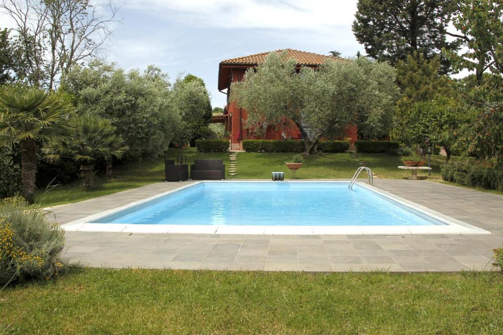 <div data-et-view=NAFQCDCcdXDPdFO:1</div Villa Vallelunga