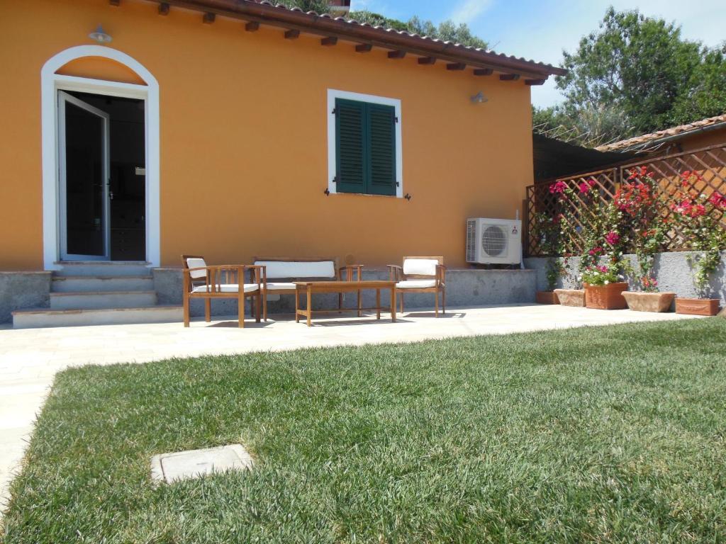 Casa vacanze la casa di ninetta italia rio marina for Casa vacanze milano