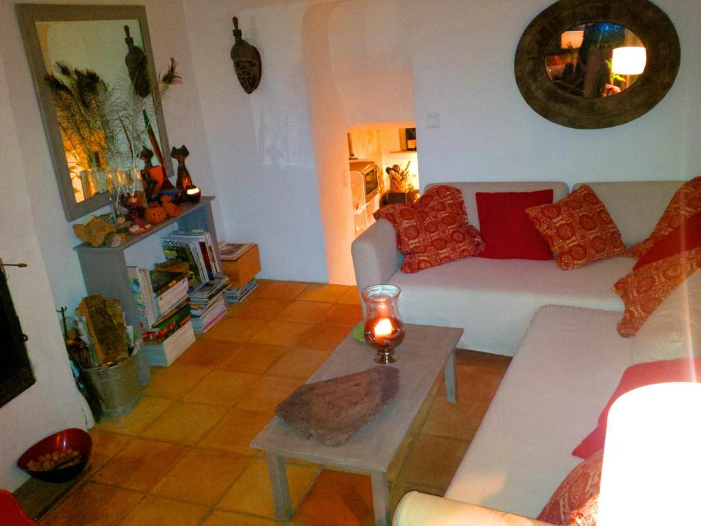 casa de temporada maison de d coratrice d 39 int rieur fran a cogolin. Black Bedroom Furniture Sets. Home Design Ideas