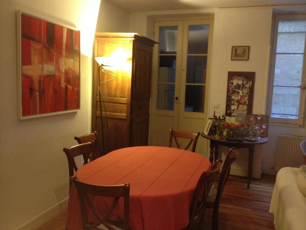 Appartement place des quinconces francia bordeaux for Appartement bordeaux grand theatre