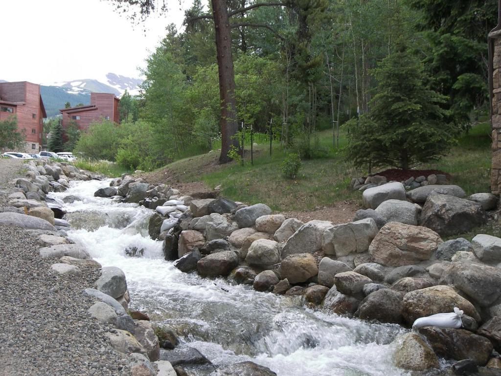 <div data-et-view=NAFQCDCcdXDPdFO:1</div Breckenridge Resort by Rocky Mountain Resort Management
