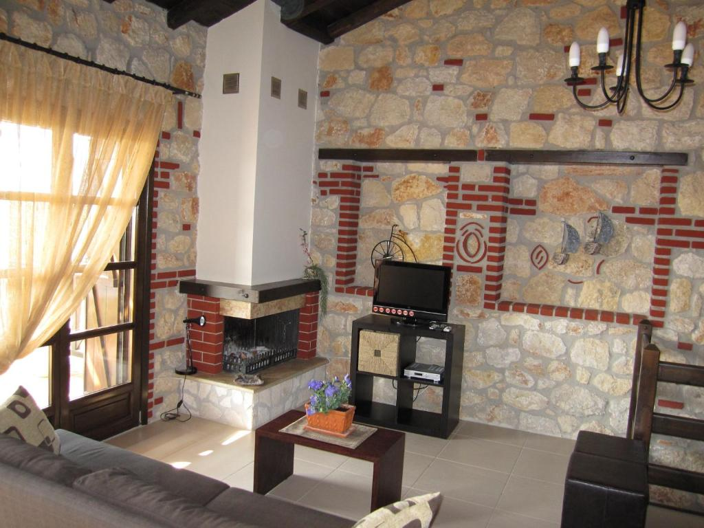 Buy a cottage in the island of Psakoudia