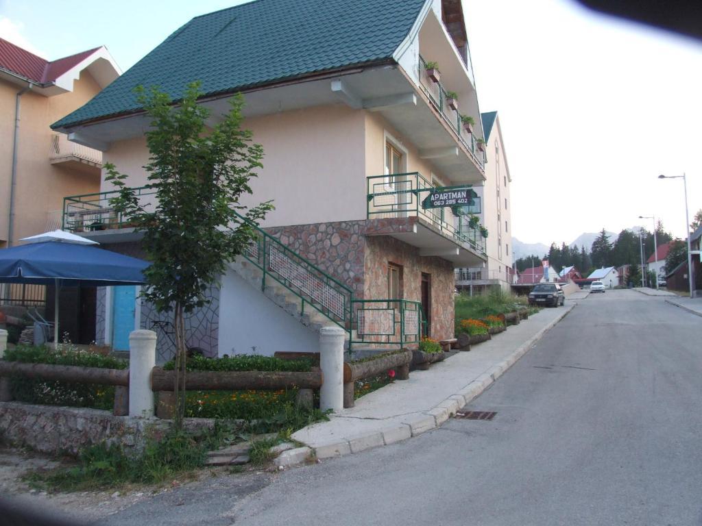 Жабляк черногория купить новострой