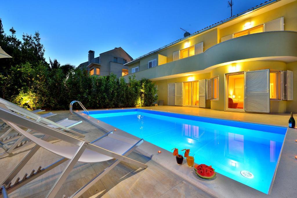 apartments villa mia ii zadar incluindo fotos. Black Bedroom Furniture Sets. Home Design Ideas