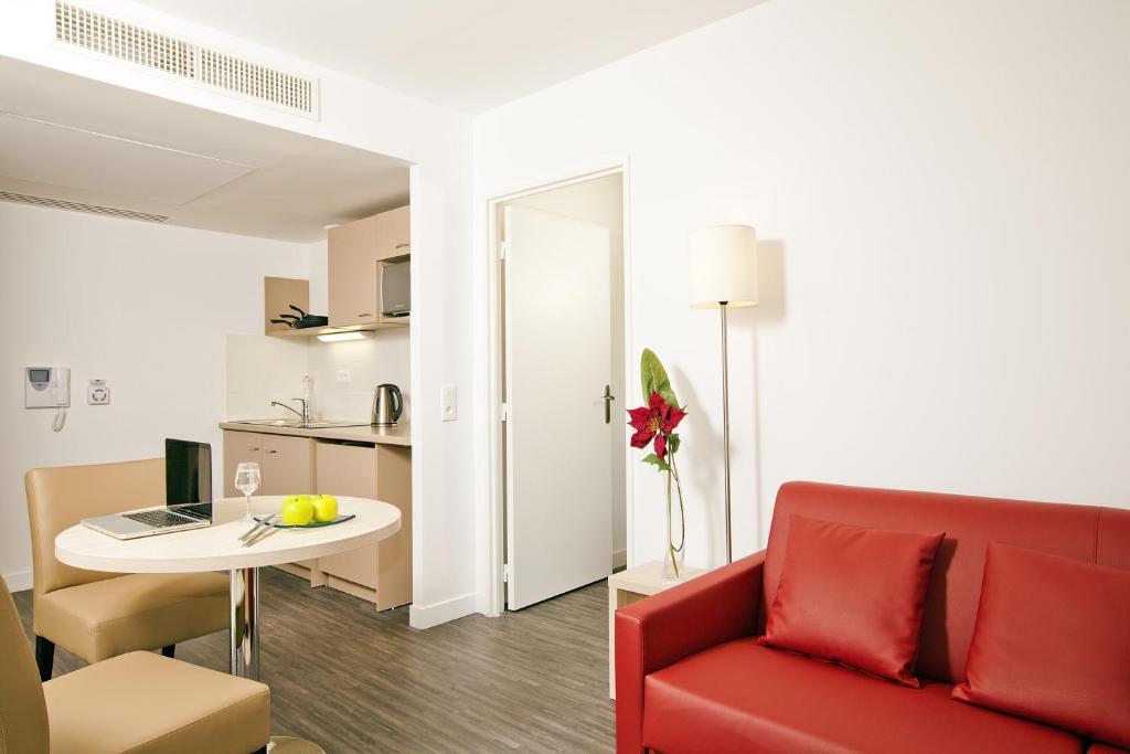 appart 39 h tel residhome nanterre la d fense france nanterre. Black Bedroom Furniture Sets. Home Design Ideas