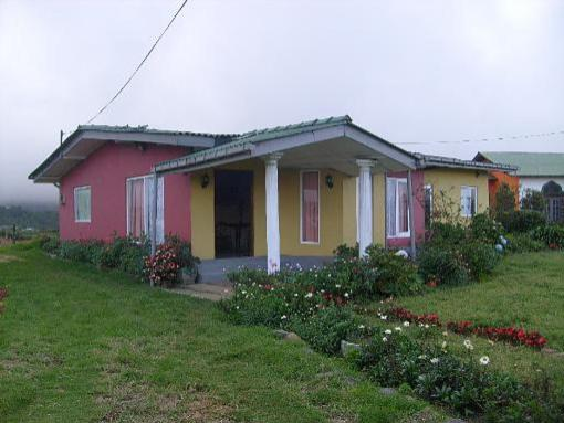 Happiness lodge nuwara eliya sri lanka for Houses for sale with suites