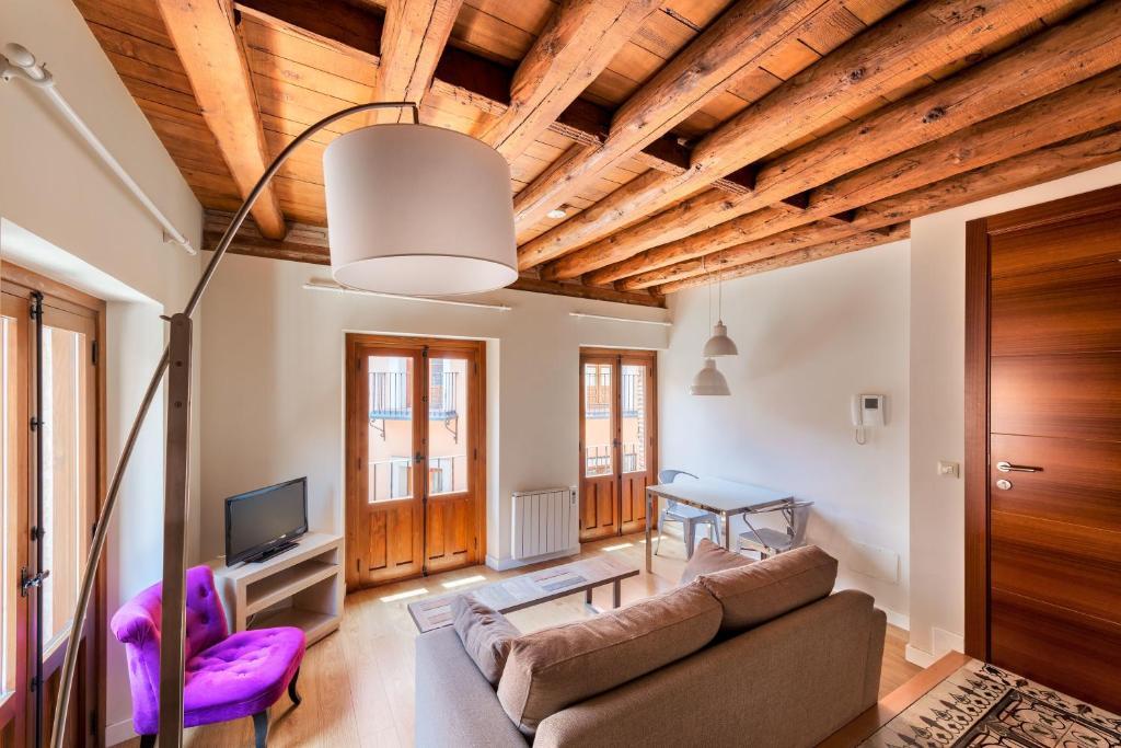 Apartamentos santa fe toledo spain for Alquiler apartamentos sevilla espana
