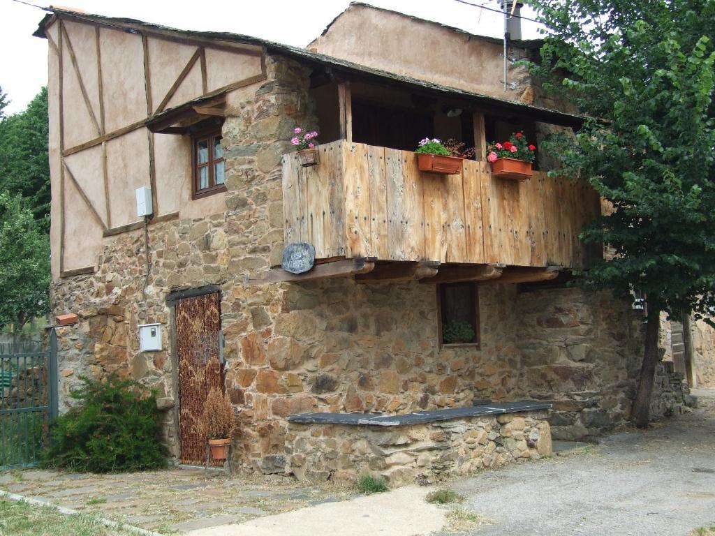 Casa de campo Casa Aurora (España San Esteban del Toral ...