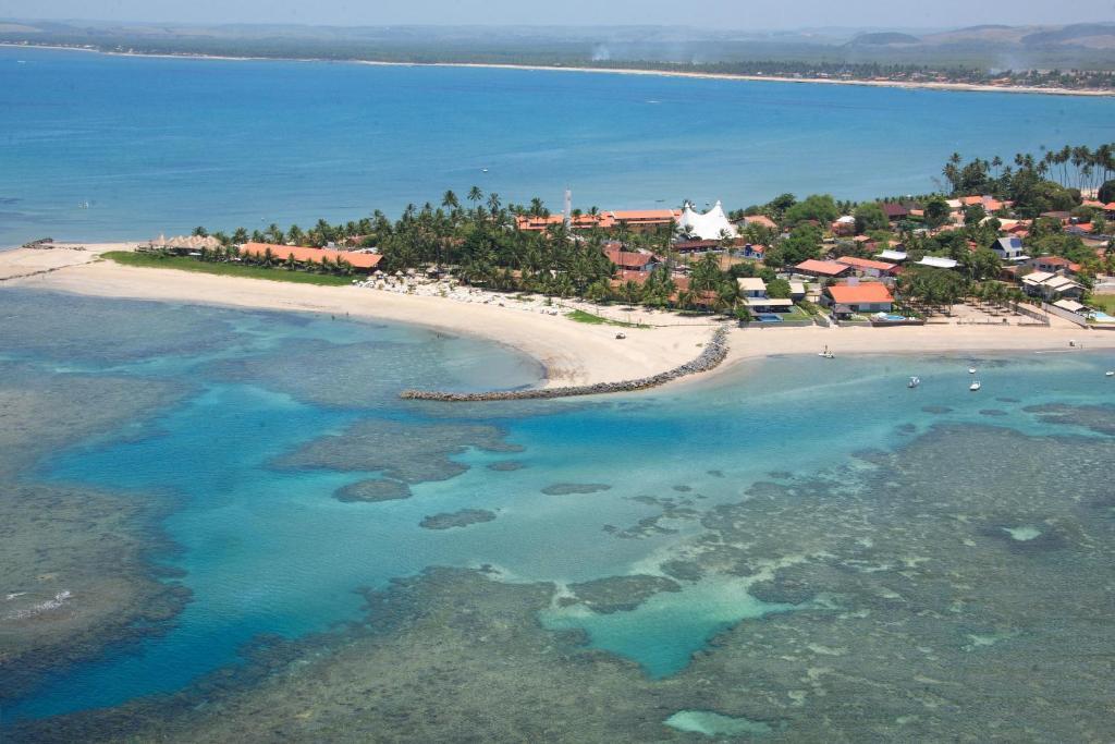 Uma vista aérea de Serrambi Resort