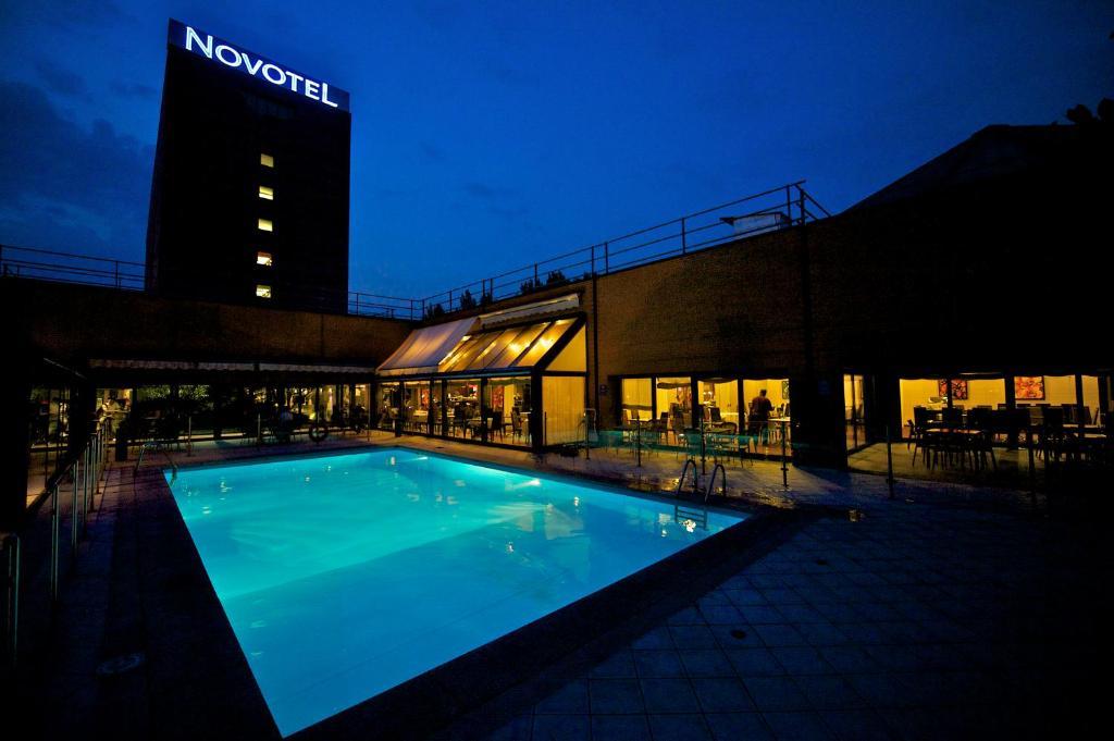 Novotel milano linate aeroporto italia milano - Hotel con piscina milano ...