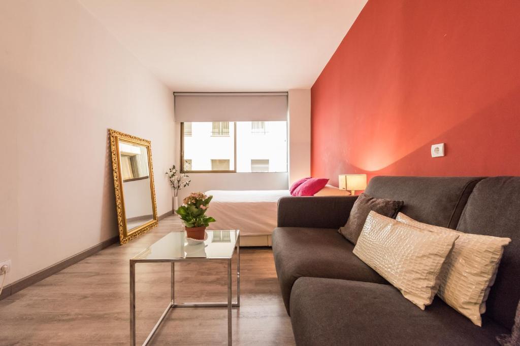 Departamento chic rentals recoletos espa a madrid for Hoteles chic en madrid