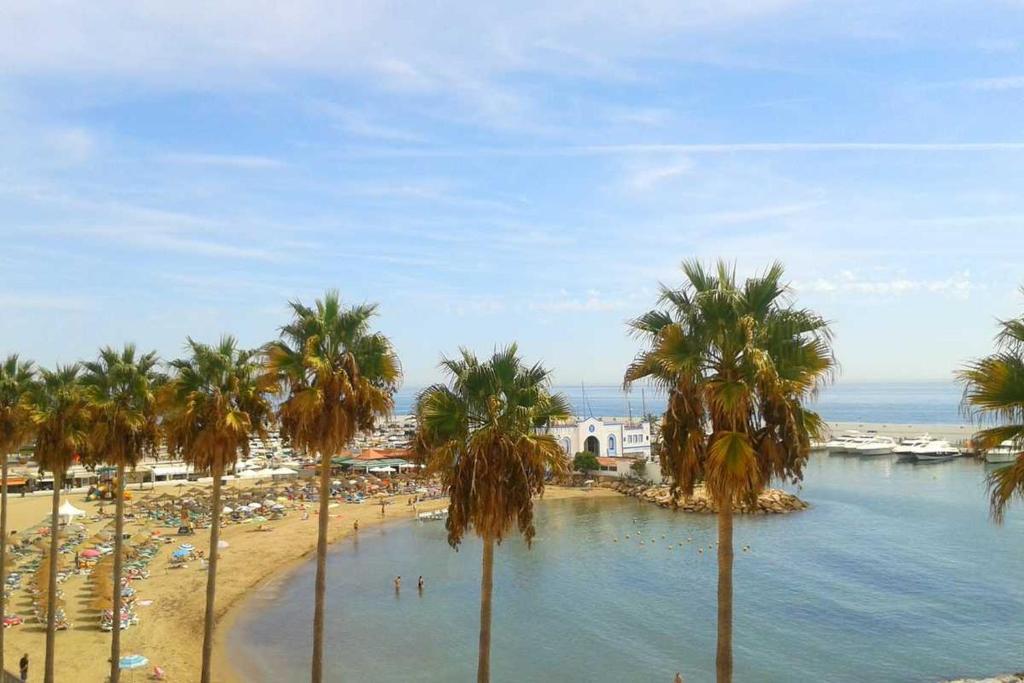 Apartment beach view marbella spain for Oficina turismo marbella