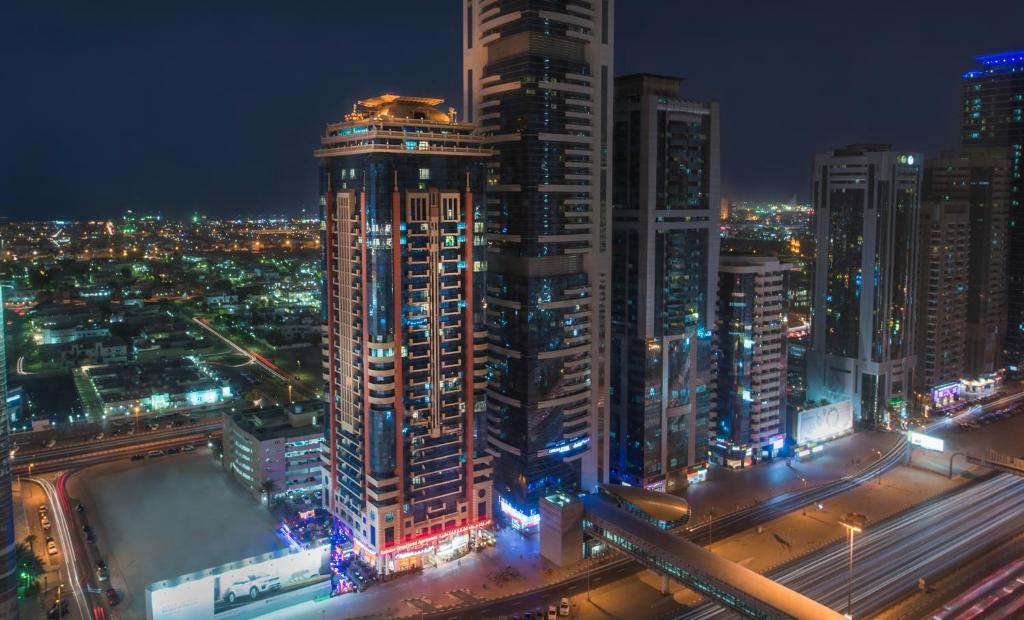 Emirates grand hotel apartments dubai uae for Hotel dubai booking