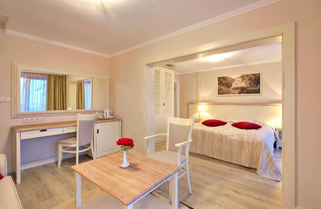 غرفة في White Rock Castle Suite Hotel & SPA