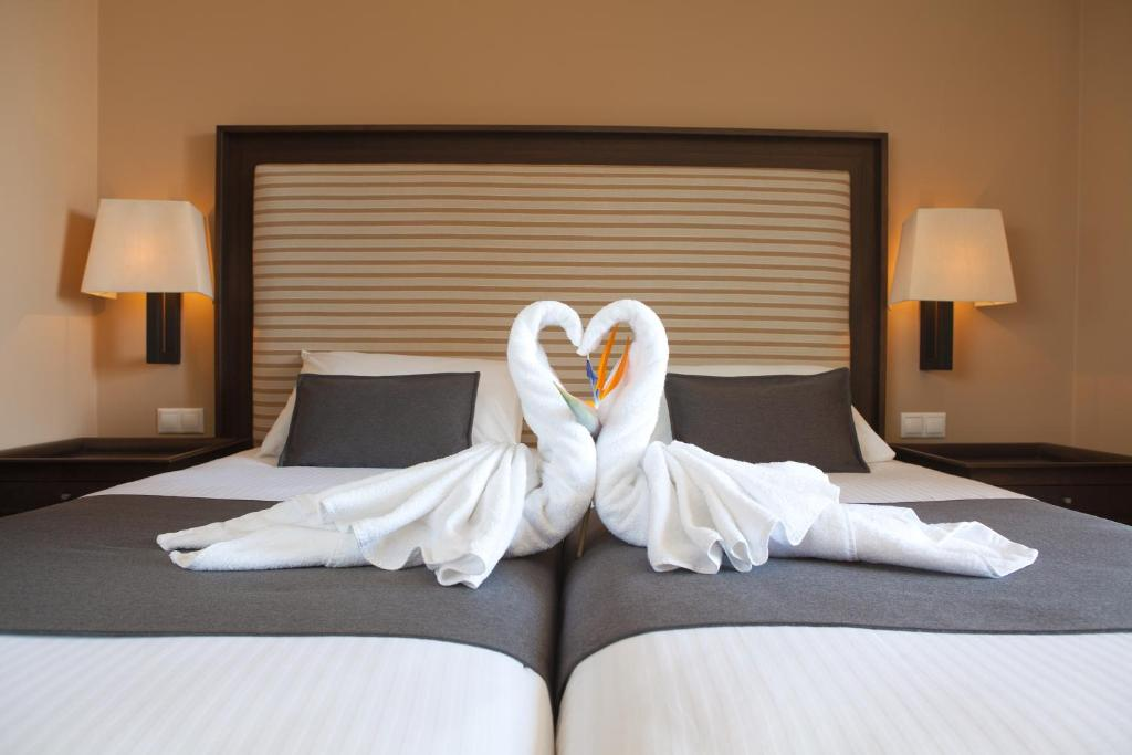 Helona Resort room 5