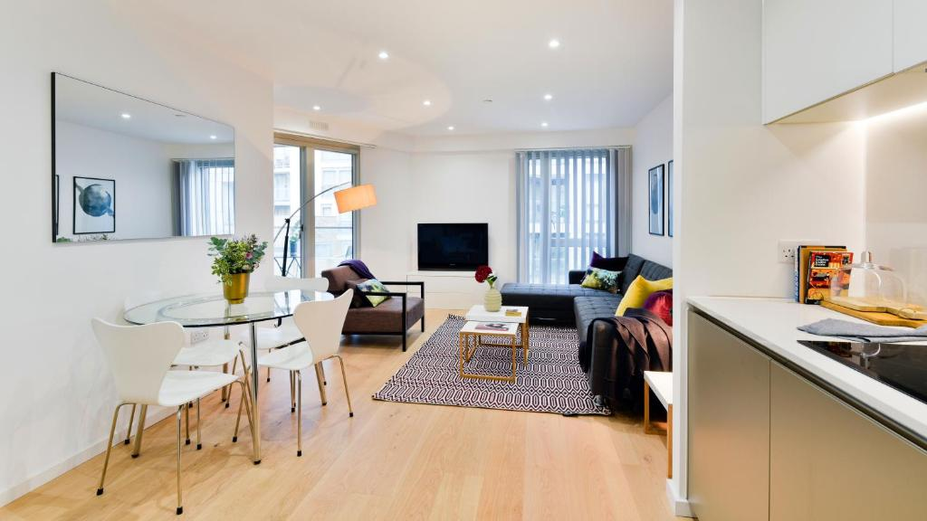 Foyer Apartments Clapham South : Apartment clapham south london uk booking