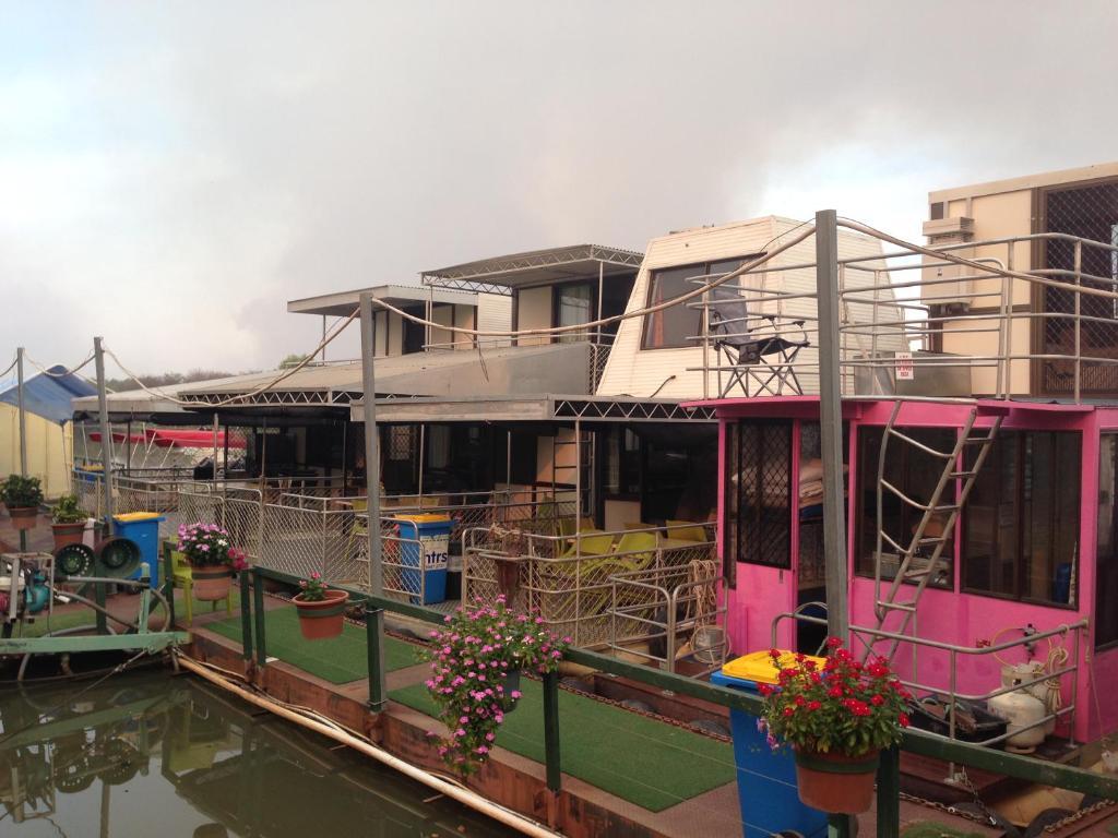 Mary River Houseboats