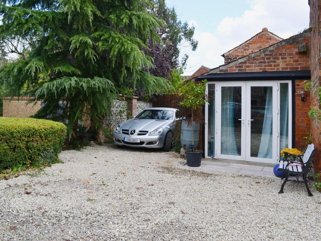 Casa de temporada ivy house barn reino unido howell for The ivy house
