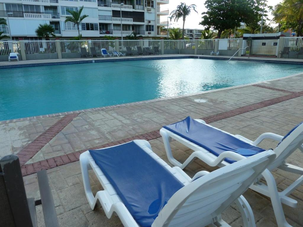apartment playa azul rental luquillo puerto rico. Black Bedroom Furniture Sets. Home Design Ideas