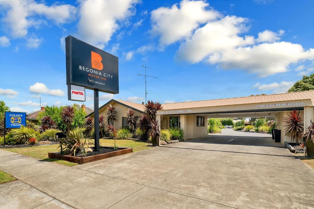 Begonia city motor inn australia ballarat for Motor city casino parking
