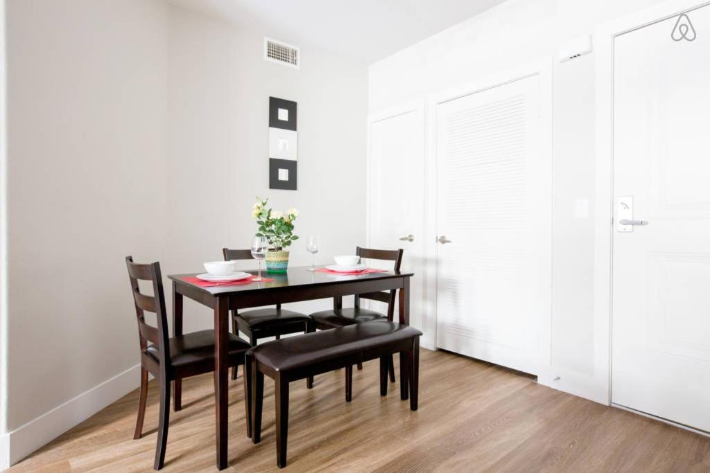 Best Deals For Apartment Westwood Two Bedroom 1 Los Angeles Ca