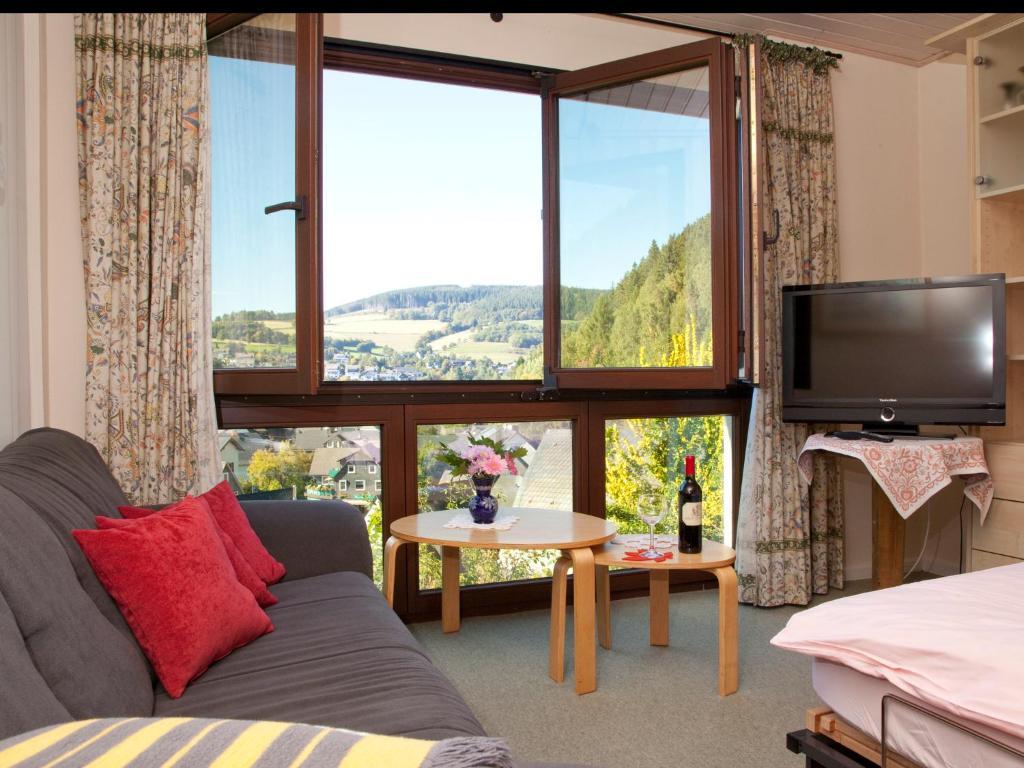 ferienwohnung caf alt willingen willingen deutschland. Black Bedroom Furniture Sets. Home Design Ideas