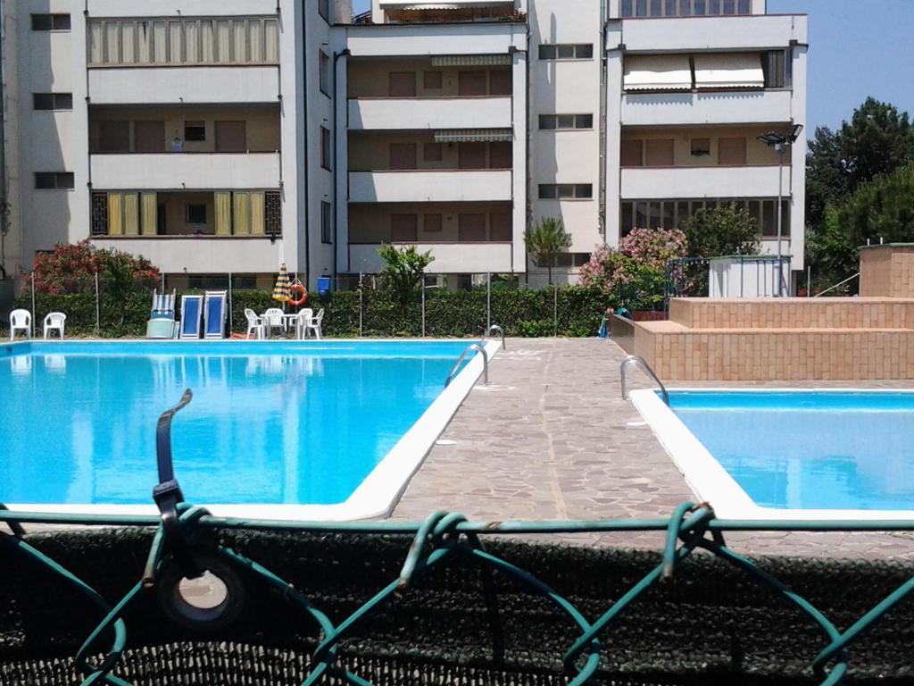 Residenza mosaico italia lido adriano - Piscina comunale ravenna prezzi ...