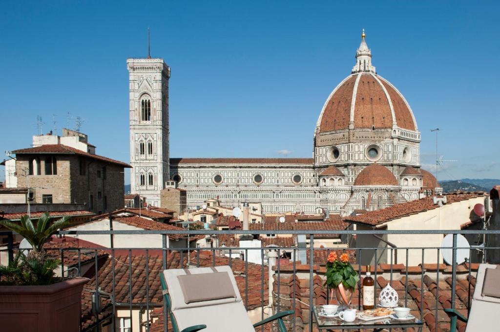 Appartamento casa di dante roof terrace italia firenze - Casa del giunco firenze ...