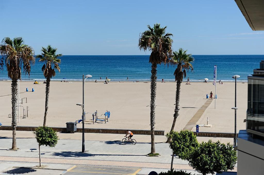 Valencia Apartments On The Beach