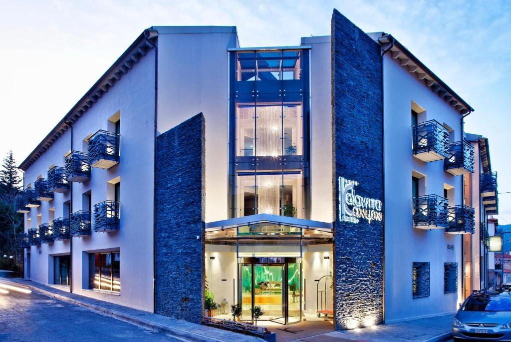 Αποτέλεσμα εικόνας για Kalavrita Canyon Hotel & Spa, Καλάβρυτα Αχαΐας
