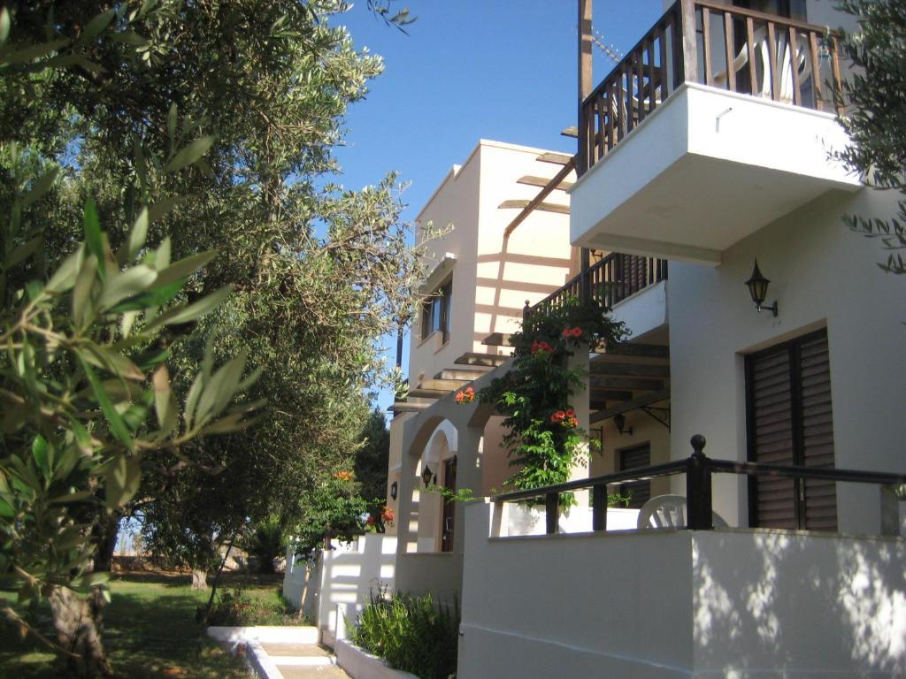 viena rooms apartments kountoura selino greece
