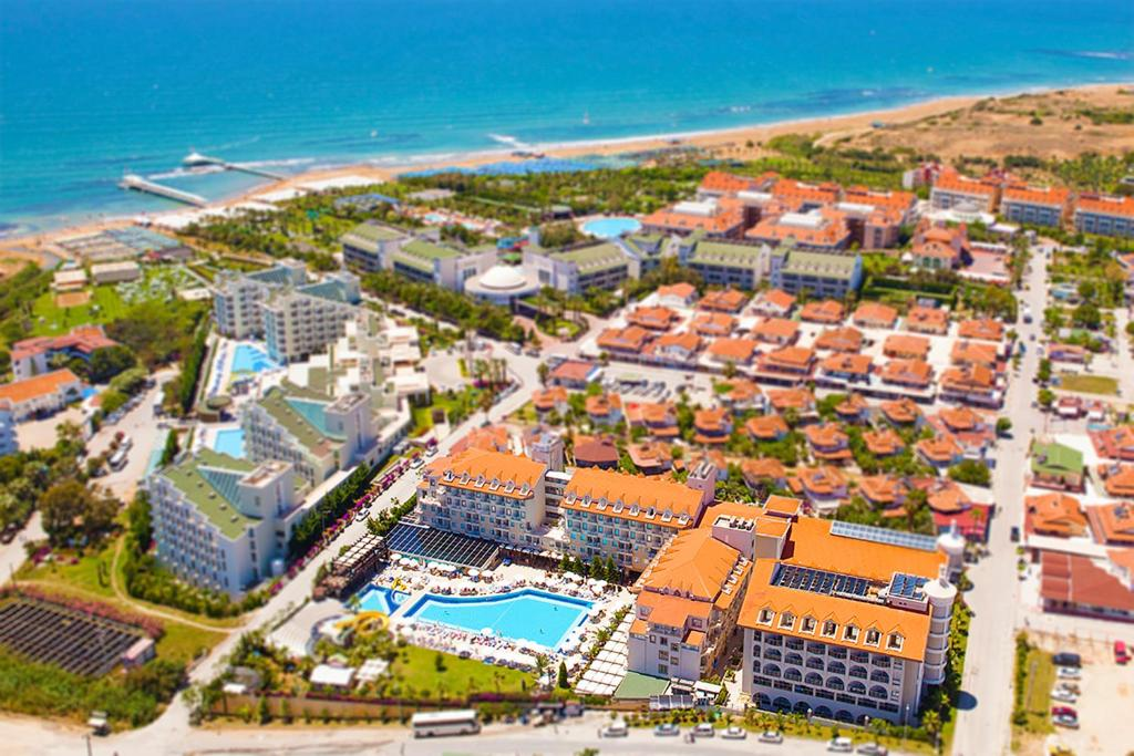 Uma vista aérea de Diamond Beach Hotel & Spa - All inclusive