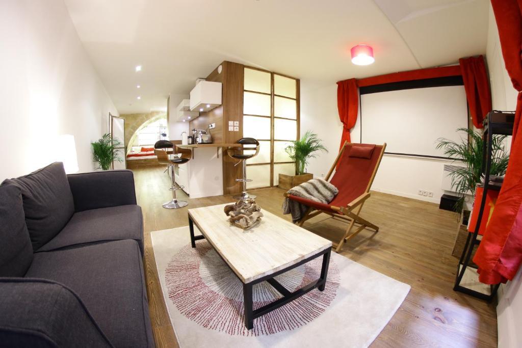 Apartamento loft spa bordeaux fran a bordeaux for Salon des antiquaires bordeaux
