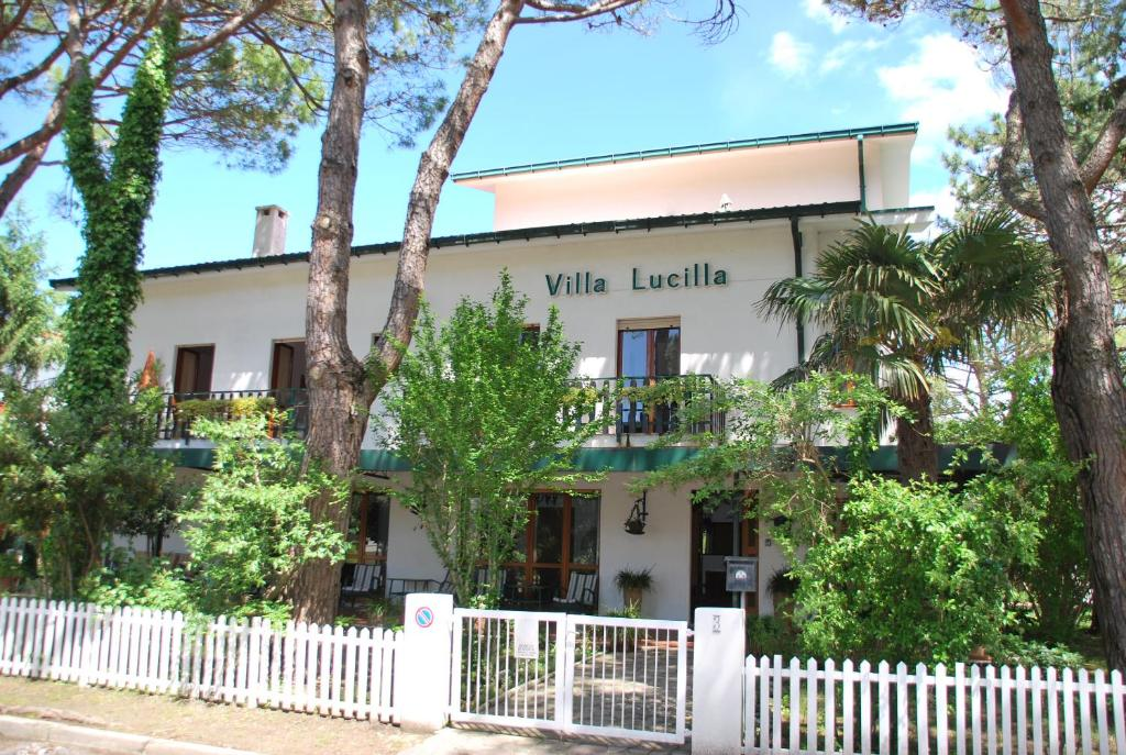 Top deals villa lucilla grado italy for Hotel meuble villa patrizia grado