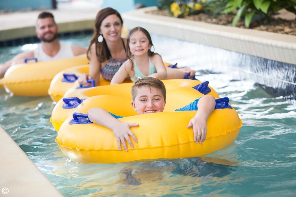 Una familia en Landmark Resort