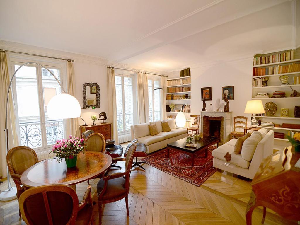 Apartment Eiffel Tower Paris France