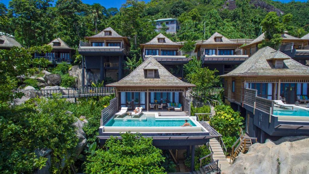 Uma vista aérea de Hilton Seychelles Northolme Resort & Spa