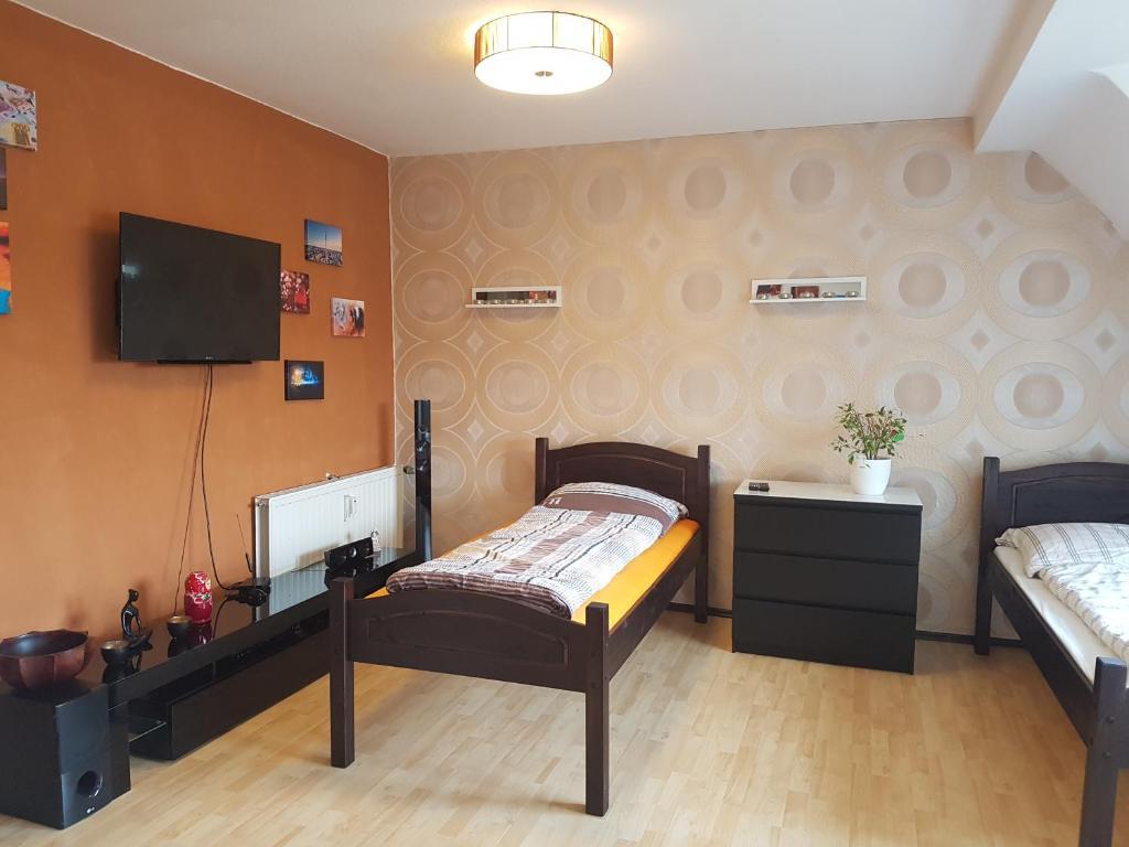 apartment d sseldorf dusseldorf germany. Black Bedroom Furniture Sets. Home Design Ideas