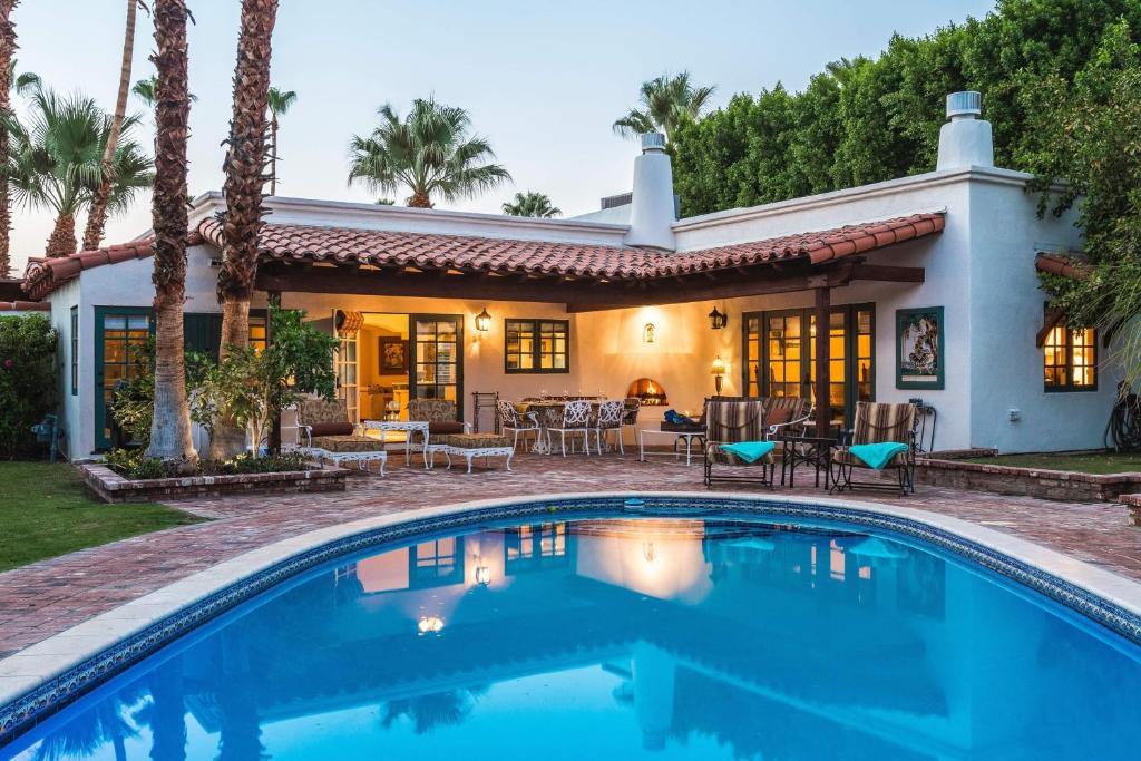Villa valencia palm springs con fotos for Villas valencia