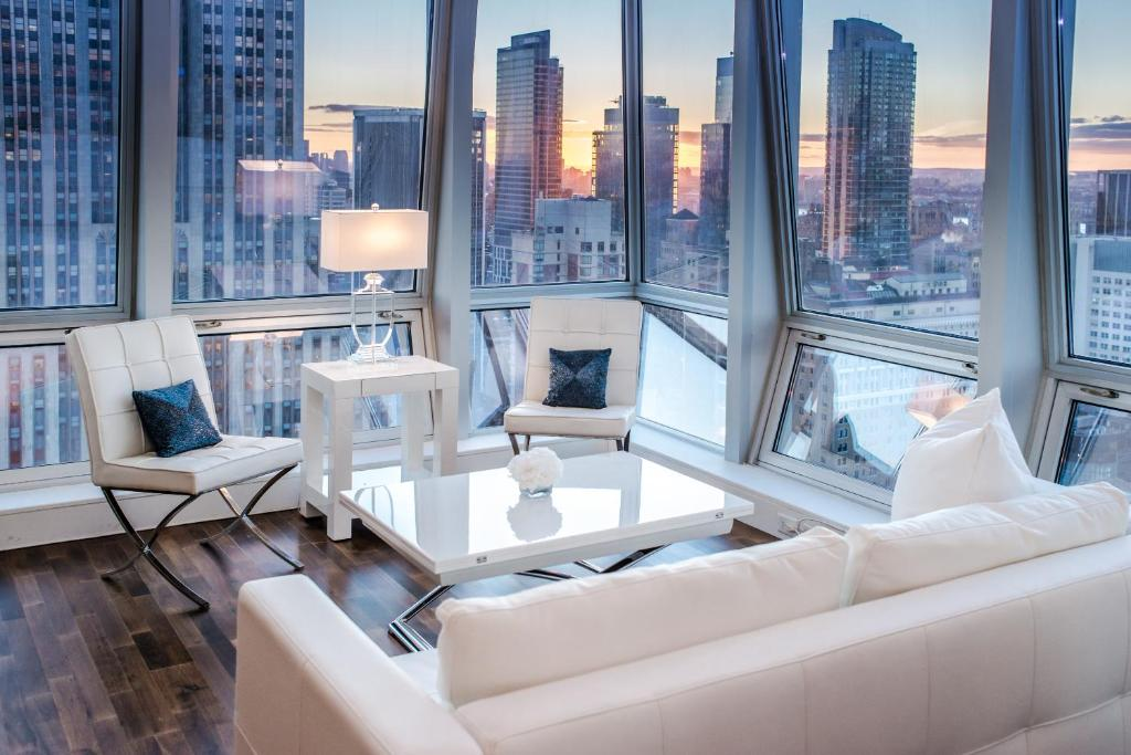 Apartment with stunning views near 5th Ave, New York City ...