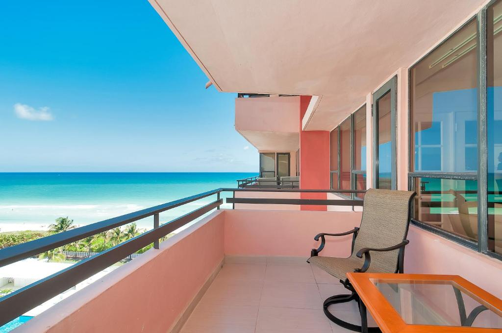 Luxury apartment by the sea, Miami Beach, FL - Booking.com
