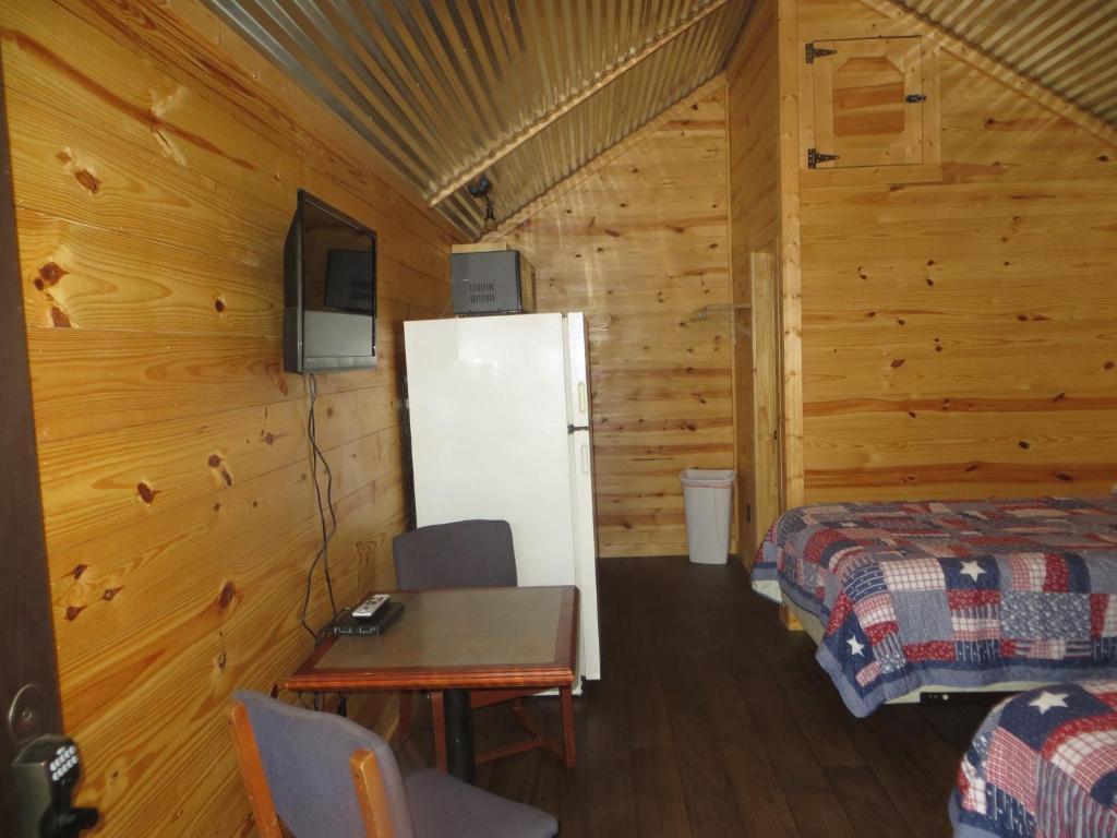 All Tucked Inn Cabins 2