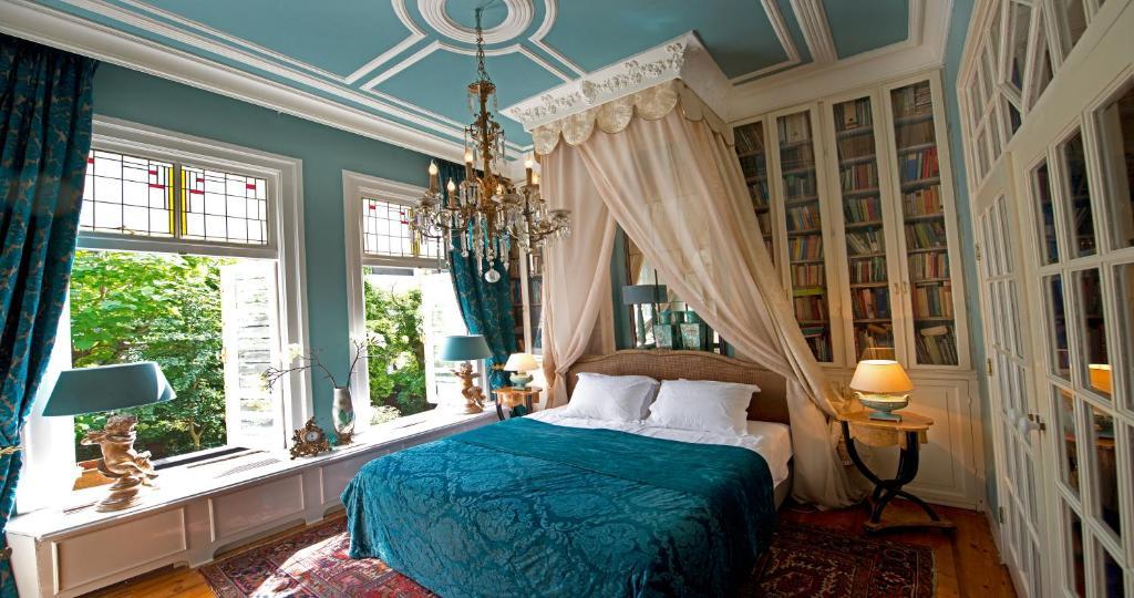 מיטה או מיטות בחדר ב-Breitner House