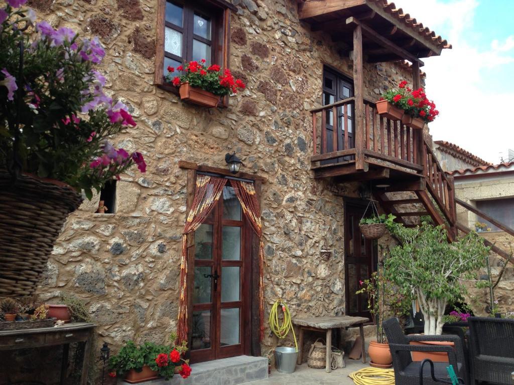Hotel Rural Casa Lena (Espanha Charco del Pino) - Booking.com
