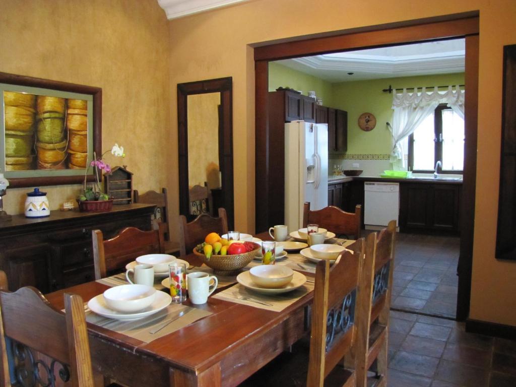 Casa de temporada casa colores guatemala antigua guatemala - D casa decoracion ...